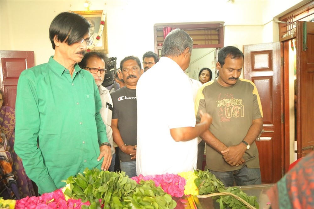 South Indian celebs like Vishal, Karthi, Manobala, Nassar, R. Sundarrajan, Pratap Pothen and others pays last respects to Director K Subhash.