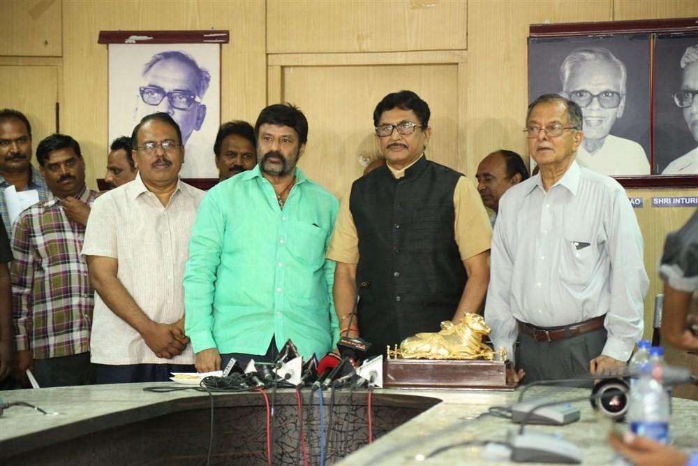 NTR,BN Reddy,Nagireddy,Chakrapani National film award,Raghupathi Venkaiah award,Nandamuri Balakrishna,Murali Mohan