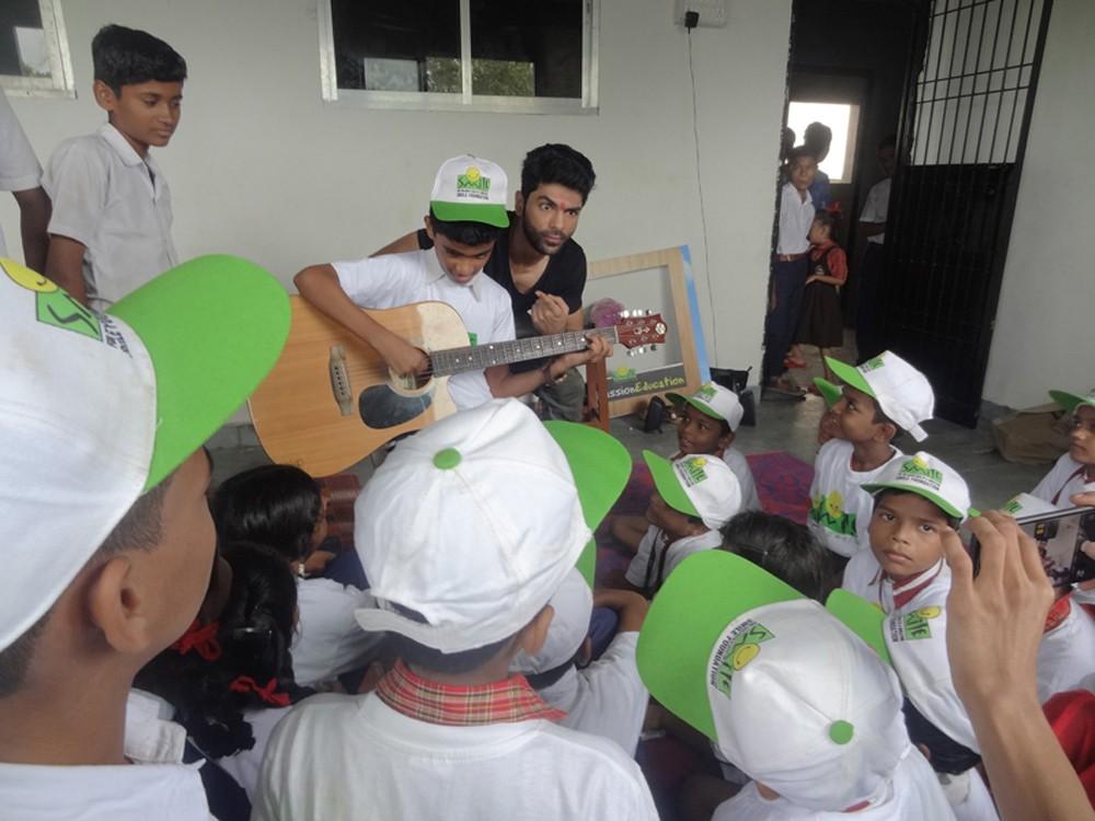 Taaha Shah,actor Taaha Shah,Anupam Kher,Ranchi Diaries,NGO Smile Foundation
