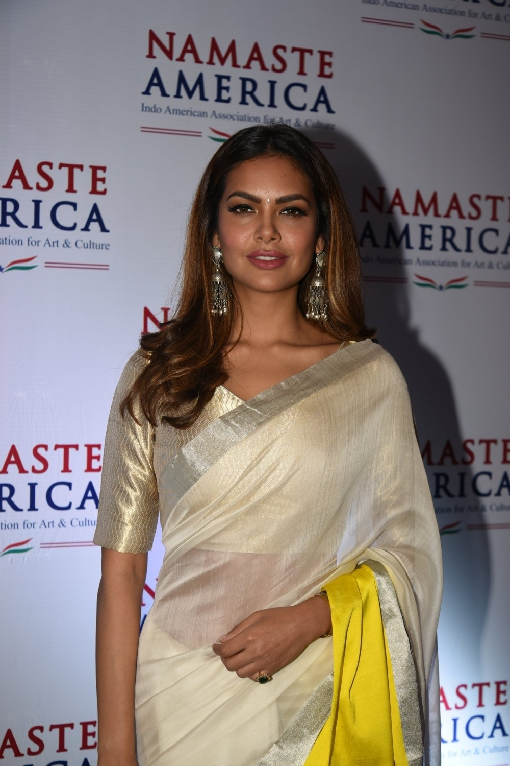 Esha Gupta,Esha Gupta in Saree,Namaste America press meet,Namaste America,Namaste America press meet pics,Namaste America press meet images,Namaste America press meet stills,Namaste America press meet pictures,Namaste America press meet photos