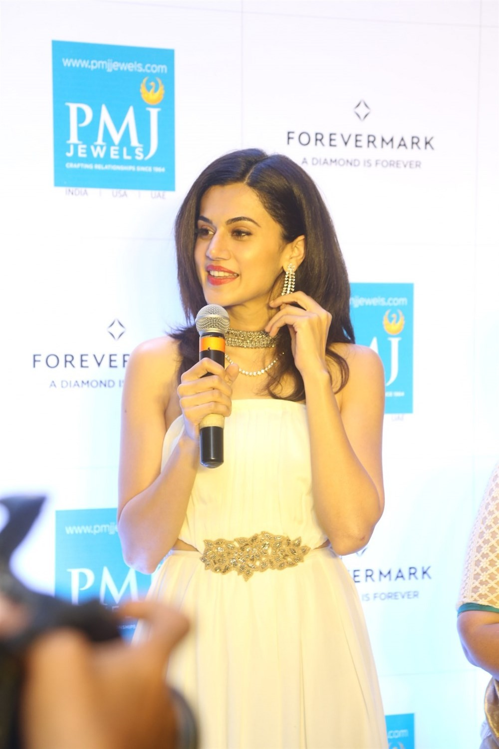 Taapsee Pannu,actress Taapsee Pannu,Forevermark diamond collection,Taapsee Pannu at Forevermark diamond collection,Taapsee Pannu hot pics,Taapsee Pannu hot images,Taapsee Pannu hot stills,Taapsee Pannu hot pictures