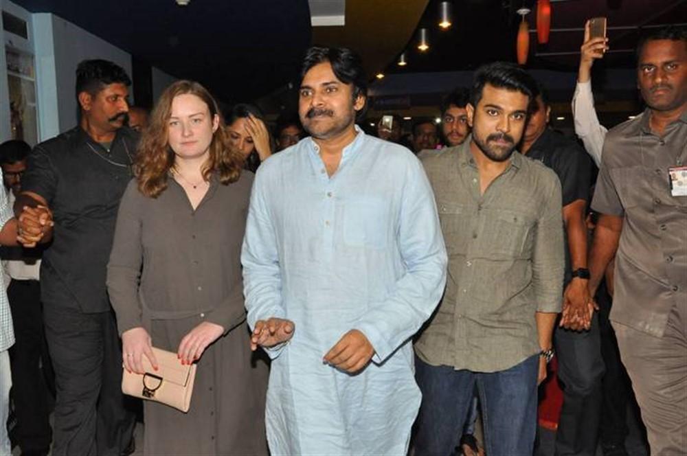 Pawan Kalyan,actor Pawan Kalyan,Pawan Kalyan watches Rangasthalam,Rangasthalam,Rangasthalam movie,Ram Charan,Pawan Kalyan with family