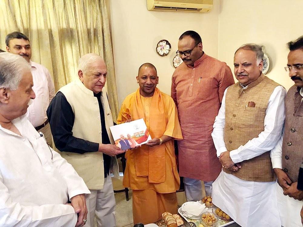 Sampark se Samarthan,Chief Minister Yogi Adityanath,CM Yogi Adityanath,cardiologist Mansoor Hasan,Mansoor Hasan,Bharatiya Janata Party,BJP