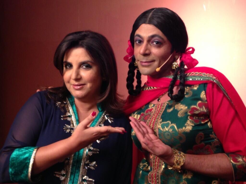 Sunil Grover's Gutthi poses with Farah Khan