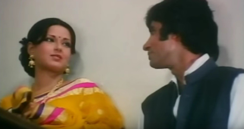Amitabh Bachchan and Moushumi Chatterjee in 'Manzil'