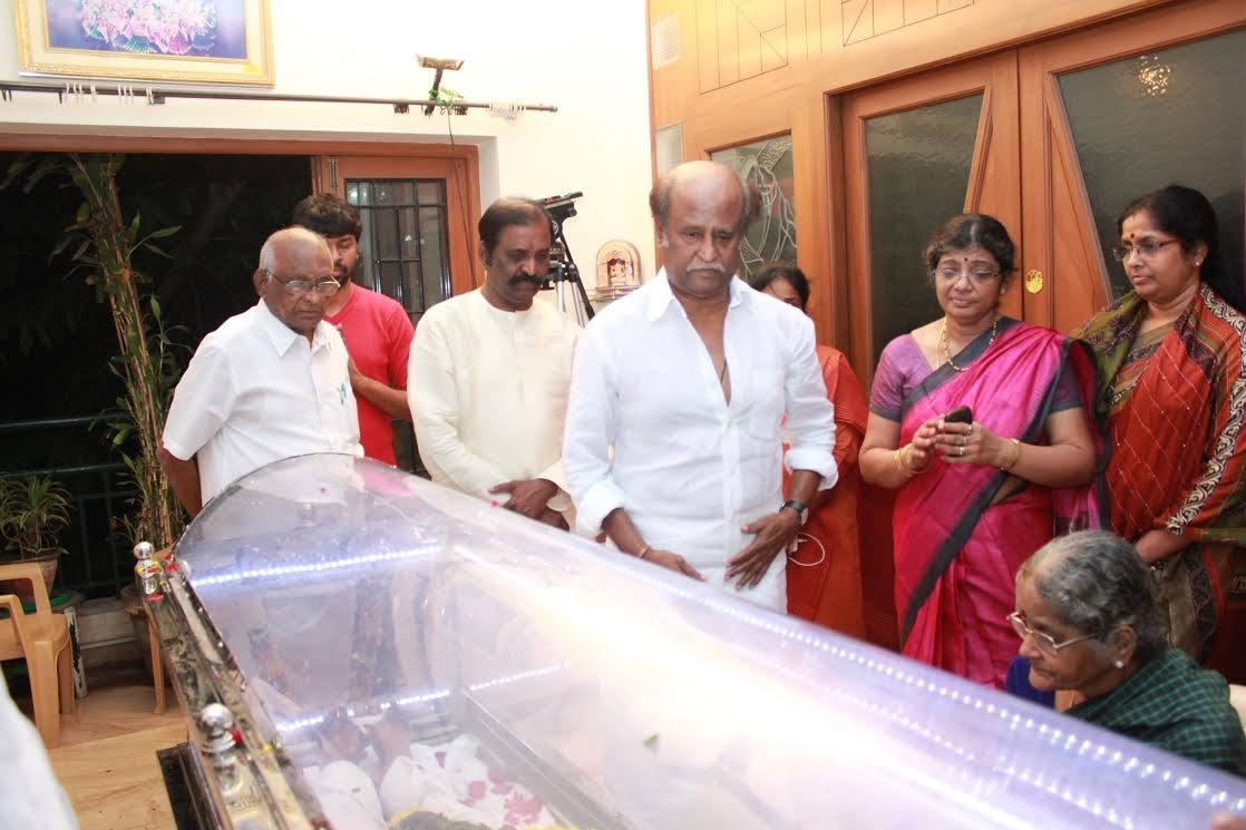 Rajinikanth, Vairamuthu Paying Last Respects to K Balachander