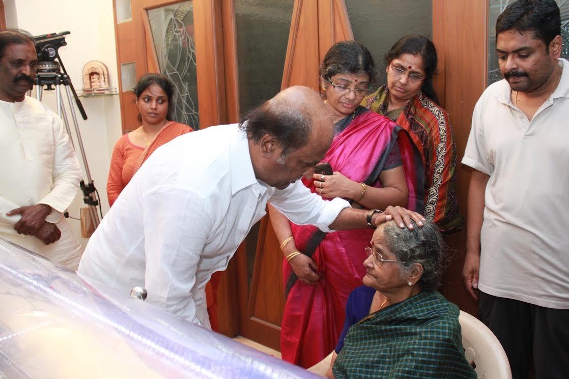 Rajinikanth Consoling K Balchander's Family