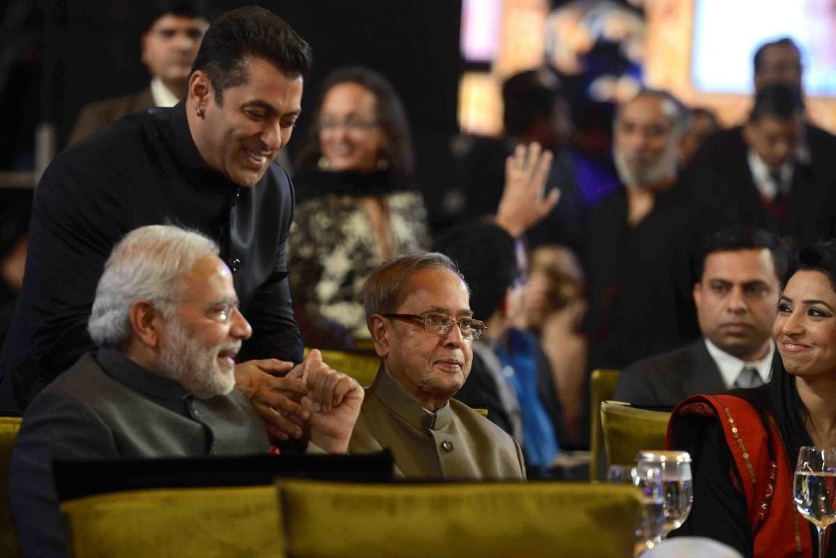'Aap Ki Adalat' completes 21 Years; PM Narendra Modi, Rani Mukerji, Shilpa Shetty and Other Big Personalities Attend Salman, SRK, Aamir's Special Episode [PHOTOS]