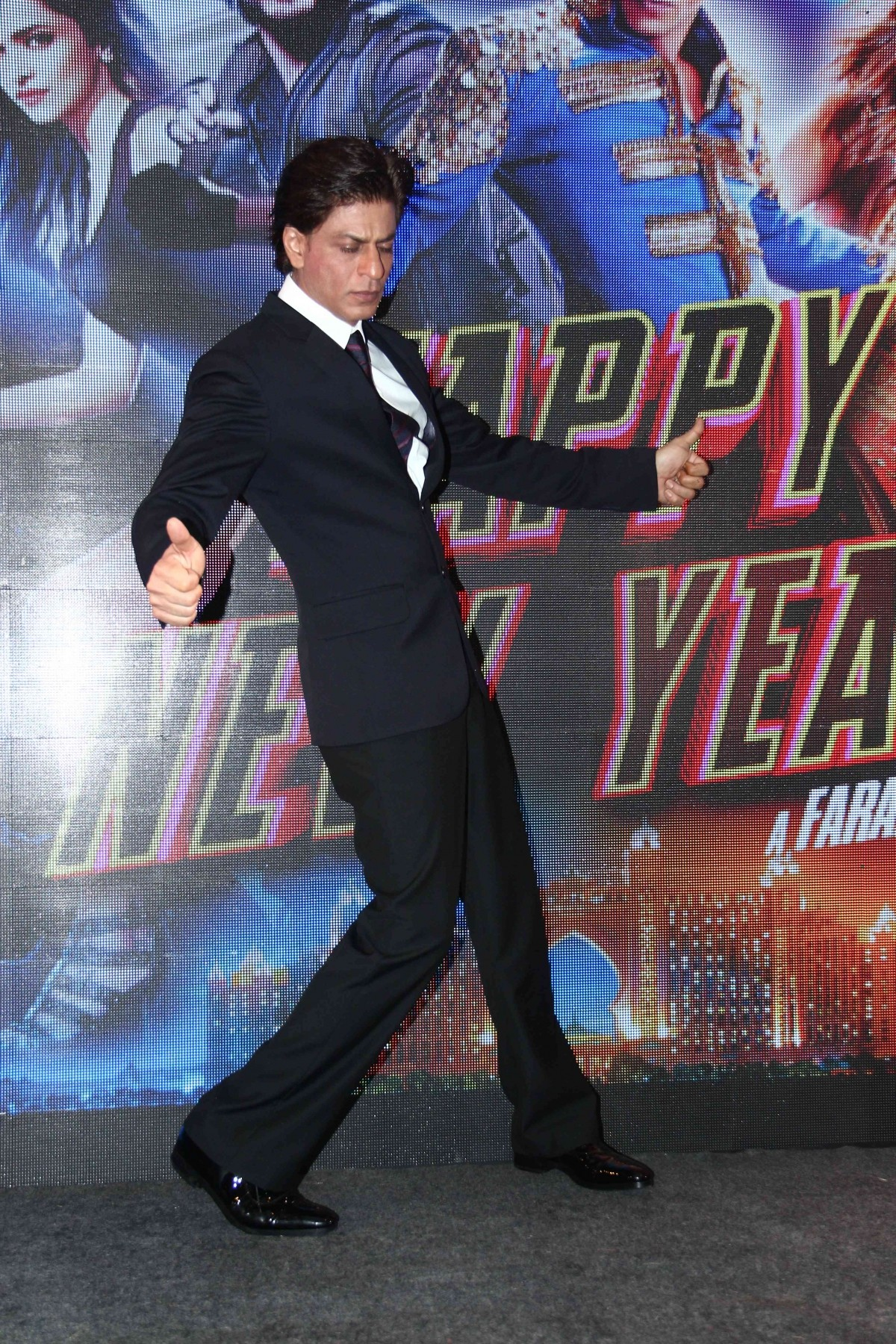 Happy New Year: Sharabi song video launch