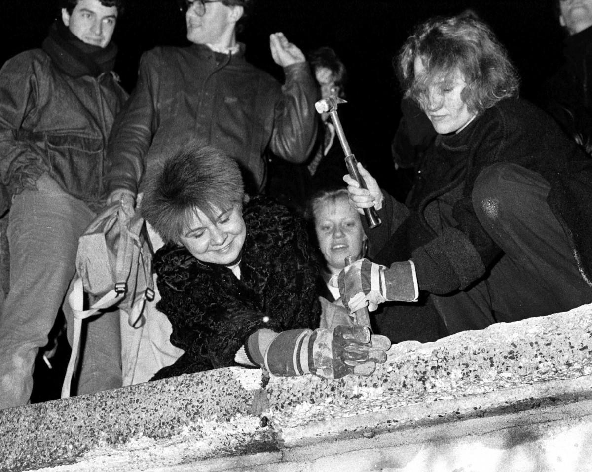 'Berlin Wall Fall' Silver Jubilee