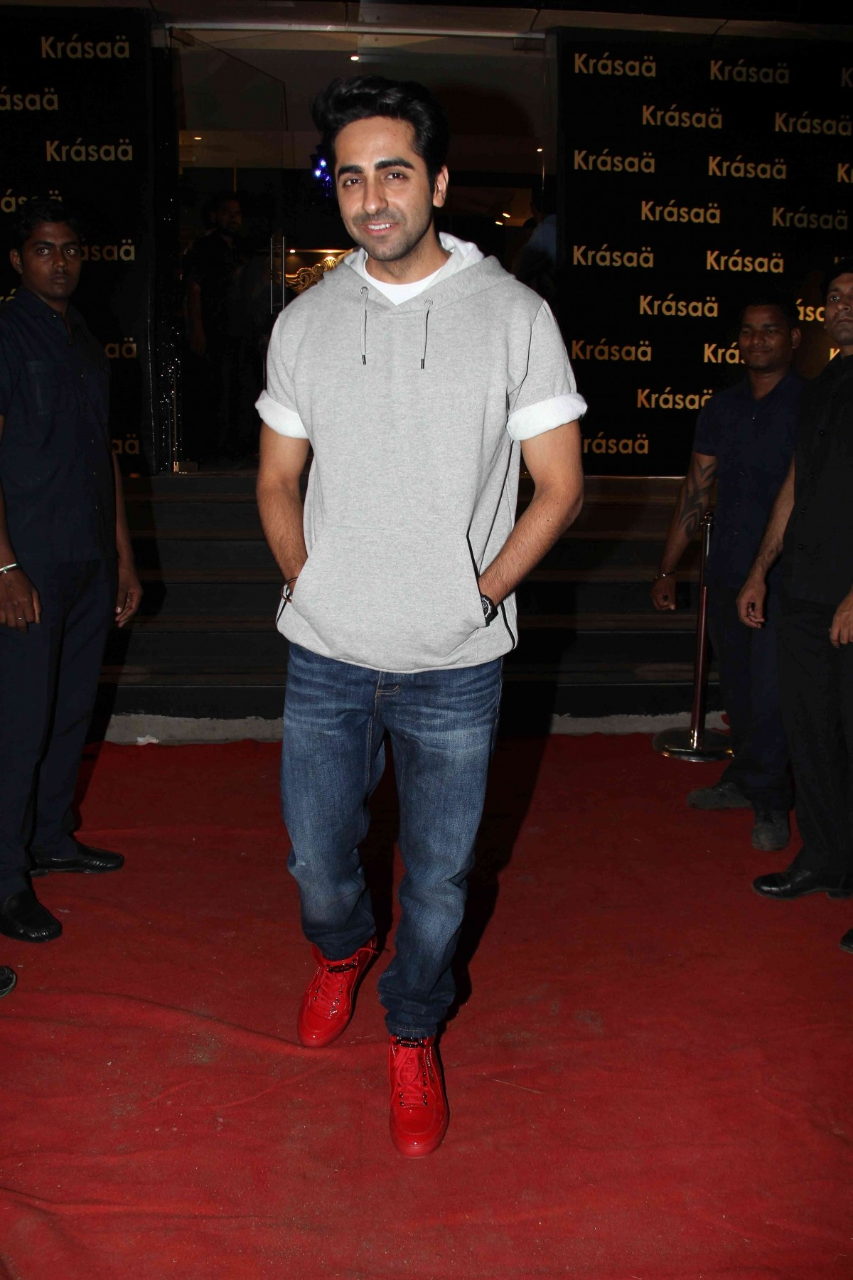 Priyanka Chopra, Sonakshi Sinha, Ayushmann Khurrana and Other Celebs Attend Launch of Vikram Phadnis' Store