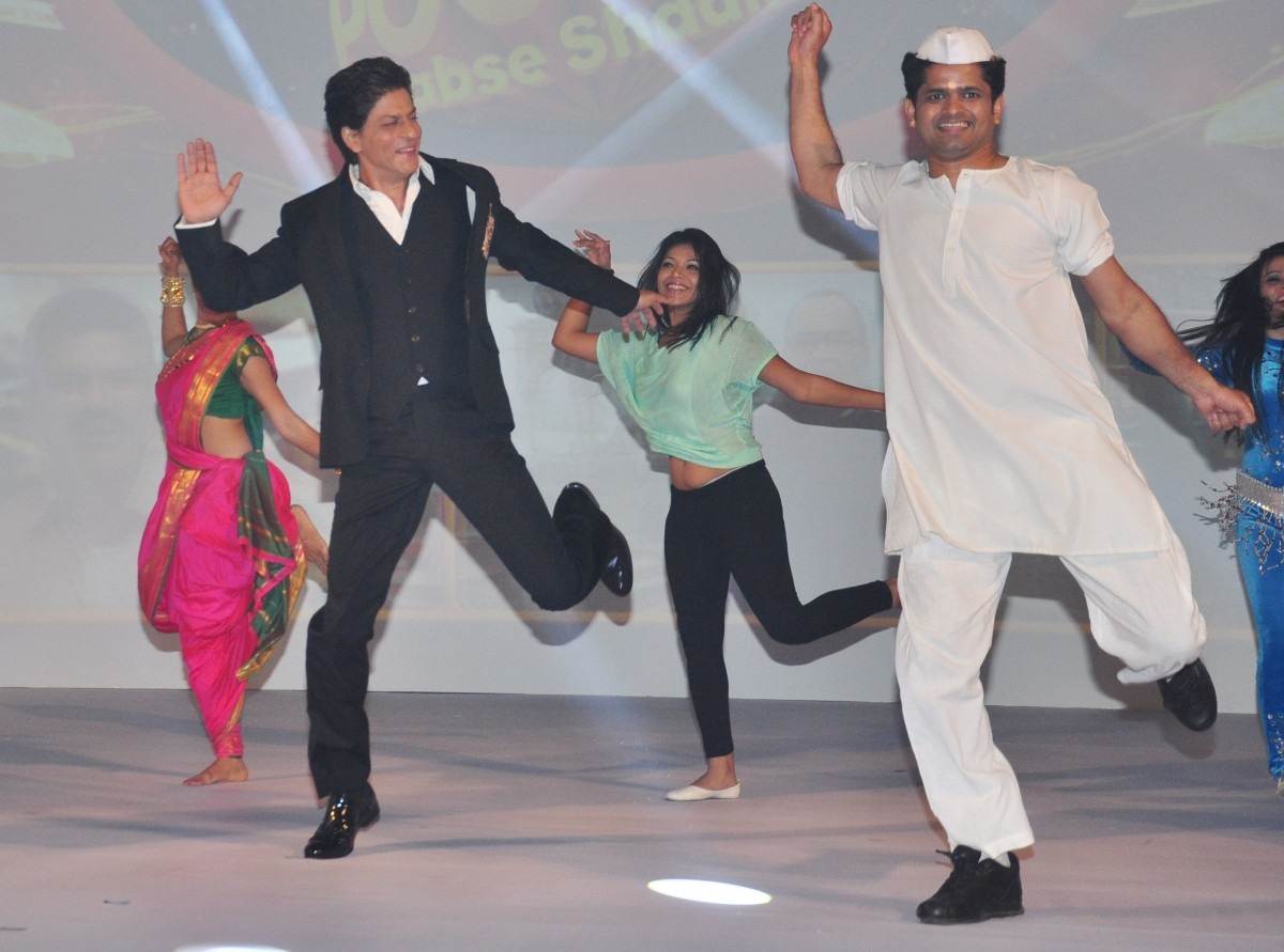 Shah Rukh Khan To Host a Game Show on Small Screen