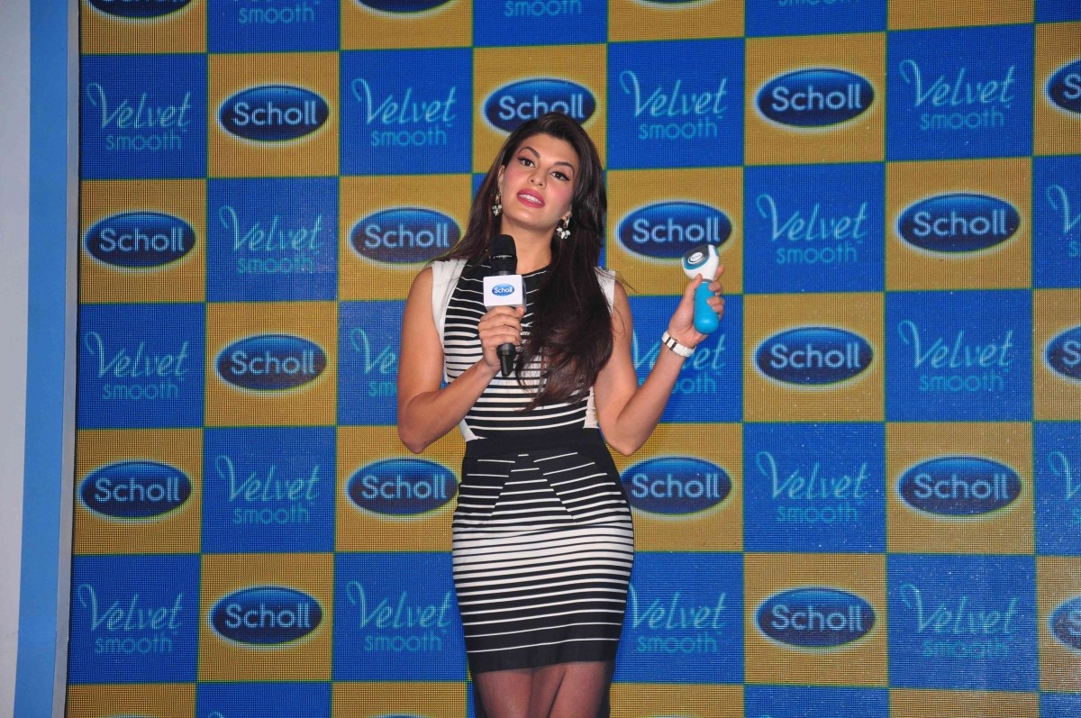 'Roy' Actress Jacqueline Fernandez Looks Gorgeous at New Product Launch Event