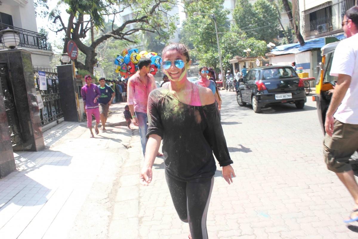 Alia Bhatt and Sidharth Malhotra Celebrate Holi Together in Mumbai