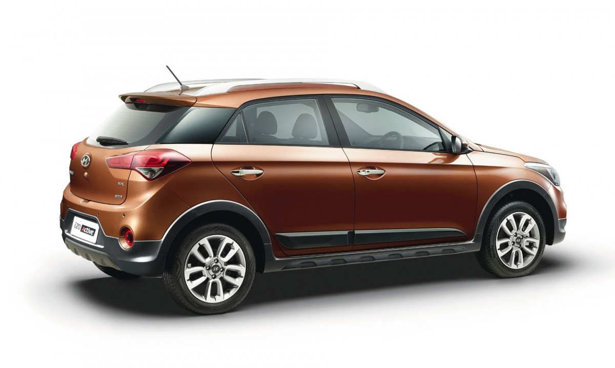 Hyundai i20 Active Goes Official in India