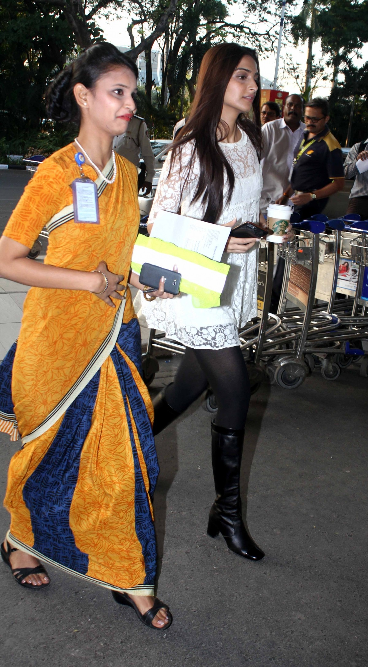 Sonam Kapoor Looks Weak When Spotted At Mumbai Airport; Actress will Resume Shooting Soon