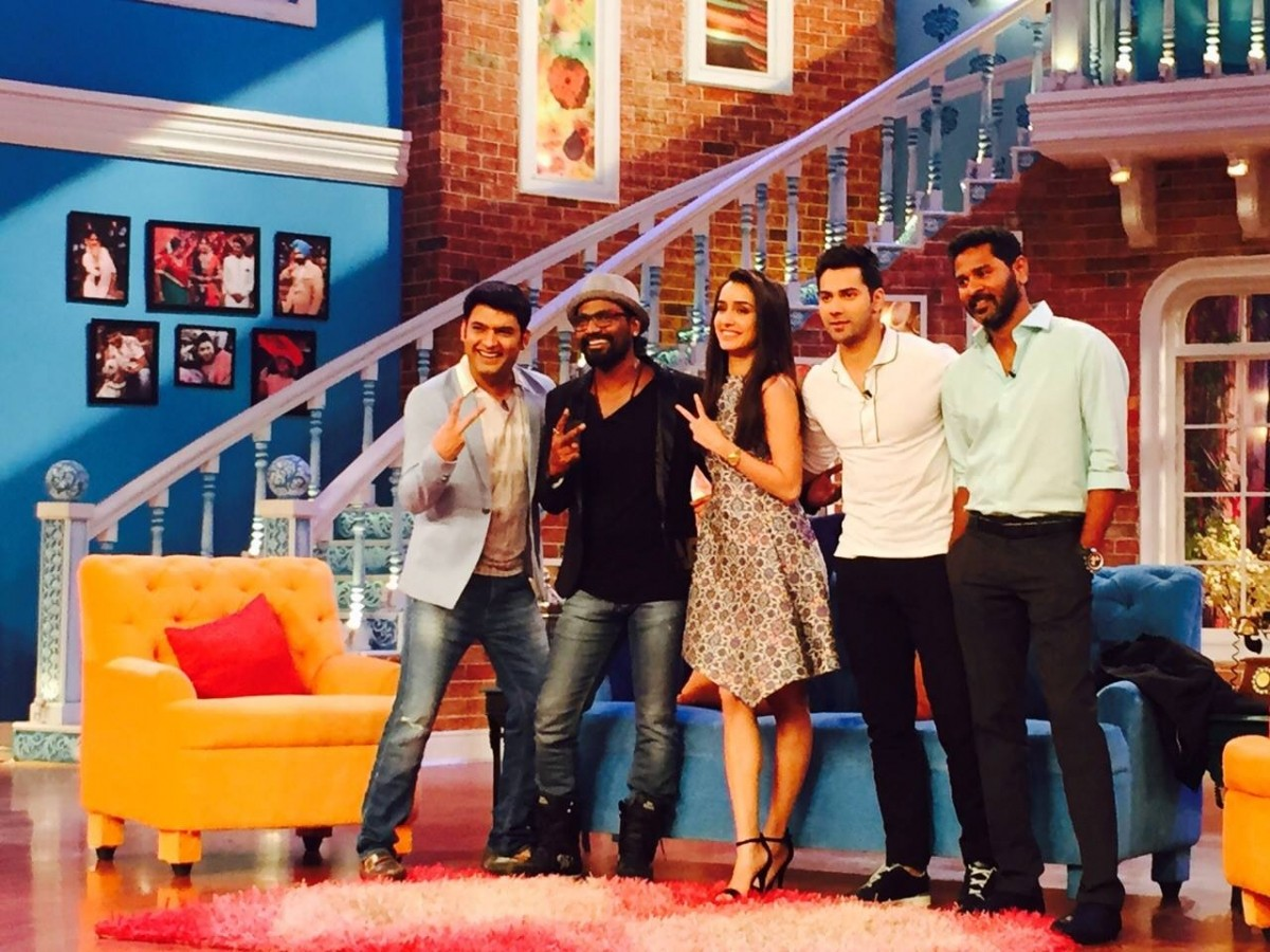 'Comedy Nights With Kapil' Completes 2 Years; 'ABCD 2' Star Cast Celebrates On Show