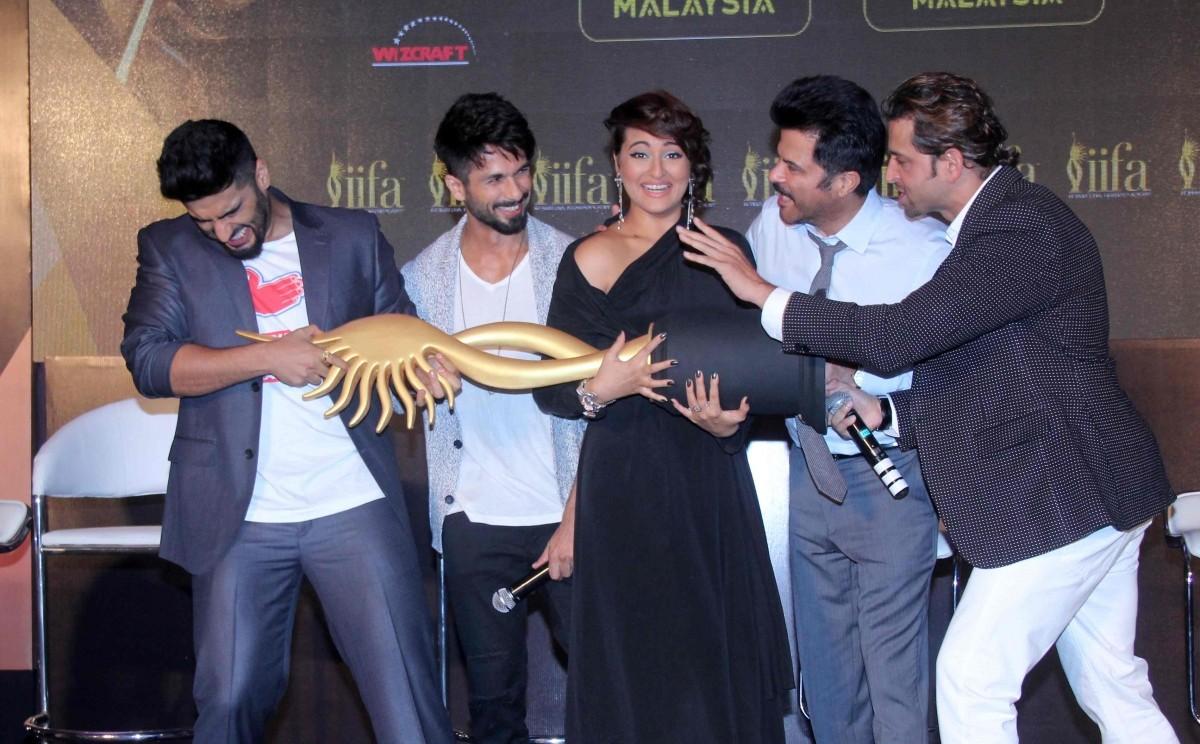 Shahid Kapoor, Hrithik Roshan, Sonakshi Sinha, Arjun Kapoor and Anil Kapoor announce IIFA Weekend 2015