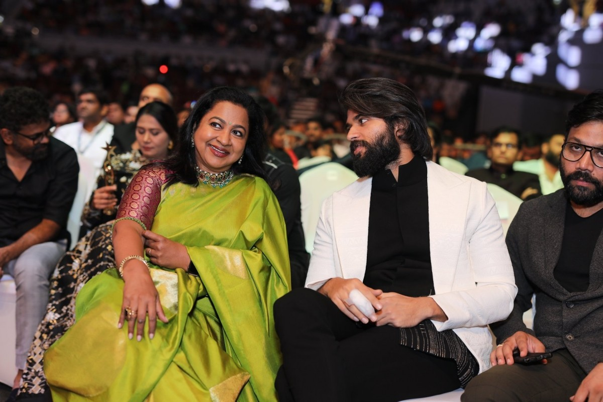 SIIMA Awards 2019: Rocking Star Yash, Ram Charan win major