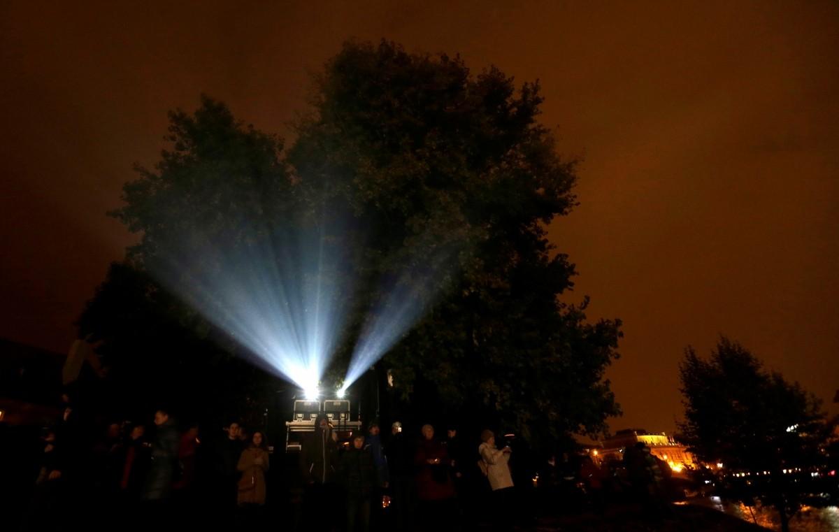 signal lights festival