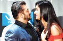 Salman Khan cheers for Katrina Kaif like a crazy animal at IIFA 2019 [Video]