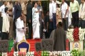 Mamata Banerjee trolled for reprimanding DIG at HD Kumaraswamy's oath-taking ceremony in Karnataka [Video]