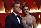 Matt Damon and his wife Luciana Barroso poses on the red carpet.