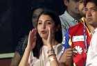 Anushka Sharma Cheering For RCB During The IPL Match