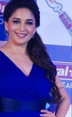 madhuri dixit hair styles top 10 hairstyles you must try 6723