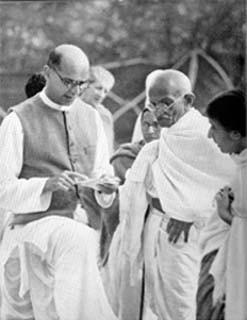 Mahatma Gandhi with Mahadev Desai