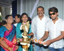 "South Indian actor Arya inaugurates Ajay Rathnam's Badminton Academy ""V Square"" at Ayapakkam, Ambattur in Chennai on 10th April. Celebs like Dheeraj Vishnu Rathnam, Vishwesh Rathnam and others graced the event."