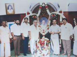 Kamal Haasan pays respect to Sivaji Ganesan on 90th birthday anniversary