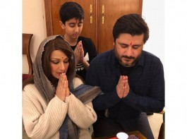 Sonali Bendre celebrates 'unconventional' Diwali in New York, shares adorable pics