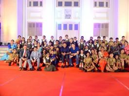 Mahesh Babu celebrates Maharshi success with school children