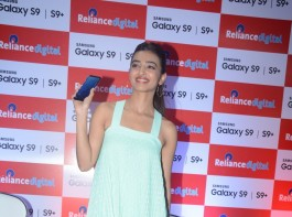 Bollywood actress Radhika Apte launches Samsung Galaxy S9, S9+.