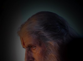 Here's Amitabh Bachchan's's look from Chiranjeevi's Sye Raa Narasimha Reddy.