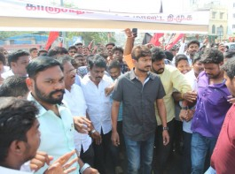 Nimir actor Udhayanidhi Stalin joins DMK protest over Cauvery issue on 5th April 2018 in Chennai.