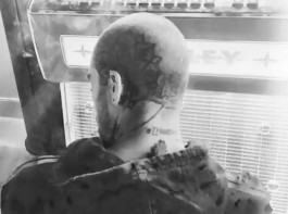Singer Zayn Malik has added to his collection of body tattoos. This time, he has got inked on his shaved head. The