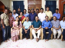 The shooting of Kaatrin Mozhi commenced today with the simple ritual pooja in Chennai. Celebs like Suriya, Jyotika, Sivakumar, Dhananjayan, Radha Mohan, Editor Praveen KL, Manobala, Mohan Raman, PRO Johnson, Vidaarth and others graced the event. After playing a no-nonsense cop role in Naachiyaar, Actress Jyotika is all set to play a struggling housewife in Kaatrin Mozhi, a Tamil remake of Vidya Balan's Tumhari Sulu. The shooting of the movie is likely to begin after Jyothika wraps up her portions in Mani Ratnam's Chekka Chivantha Vaanam.