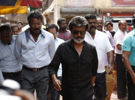 1) Rajinikanth: The first reason to watch the movie is Thalaivar. Superstar is famous for his powerful punch dialogues, stylish and screen presence which makes us to watch him on the big screen.