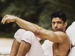On the 5th anniversary of Bhag Milkha Bhag, let's take a look at Farhan Akhtar's envious body transformation from then till now.  Farhan Akhtar took everyone by surprise back in 2013, with his chiselled body in Bhaag Milkha Bhaag. Now, Five years later, Farhan Akhtar acquires a ripped physique which is surely a visual treat for all the fans. The actor who will next be seen in Shonali Bose's next has once again transformed his body, a testimony of which is seen on Farhan's Instagram where the actor has shared multiple pictures of his oh so hot body.