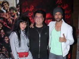Hrithik Roshan poses with Sajid Nadiadwala and wife Wardha
