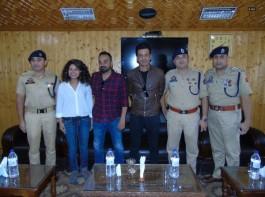 Gali Guleiyan actor Manoj Bajpayee interacts with officers, jawans at DPL Srinagar