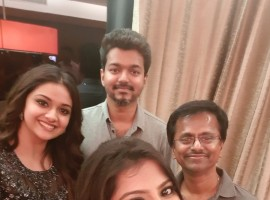 AR Murugadoss celebrates birthday with Vijay, Keerthi Suresh and Varalakshmi Sarathkumar