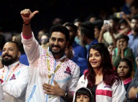 Aishwarya Rai and Aaradhya with Abhishek Bachchan