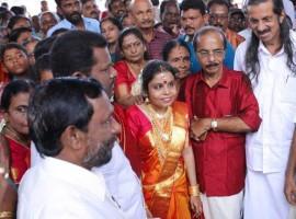 Singer Vaikom Vijayalakshmi ties the knot with mimics artist Anoop