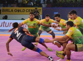 Pro Kabaddi 2018: Patna Pirates beat Bengal Warriors by 29-27