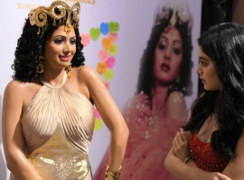 Jhanvi Kapoor Looking at Sridevi's Wax Stature