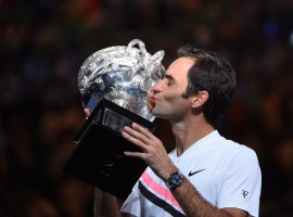 Swiss star Roger Federer on Sunday defeated Croatia's Marin Cilic 2-6, 7-6, 3-6, 6-3, 1-6 to win the men's singles title at the Australian Open tennis here.