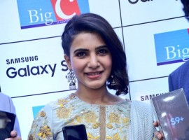 Samantha launches Samsung Galaxy S9 and S9+ at Big C showroom, Kukatpally